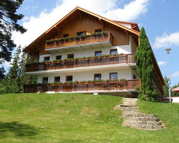 Abschlussreise Hotel Jenisov: Außenansicht