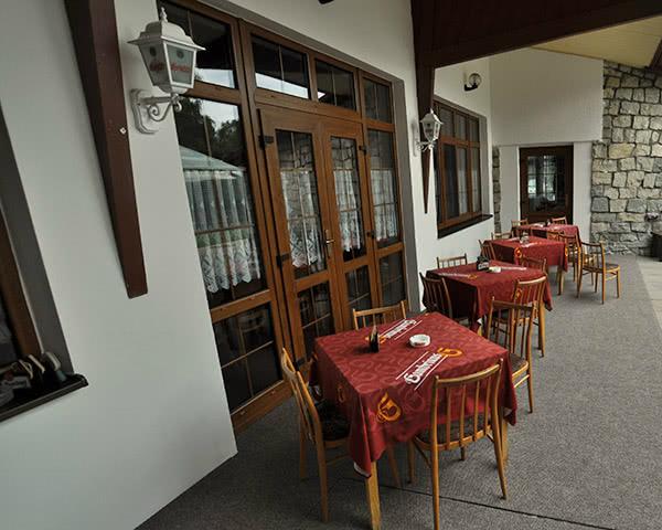 Gruppenfahrt Hotel Jenisov- Terrasse