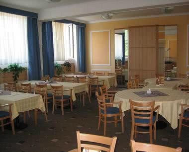 Klassenfahrt Tschechien: Speisesaal der Unterkunft