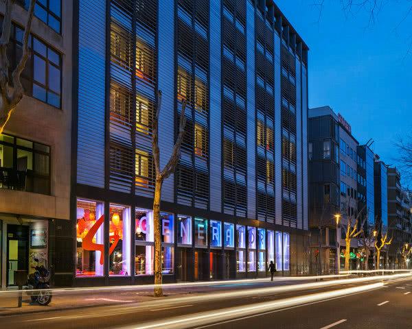 Gruppenfahrt Generator Hostel Barcelona- Außenansicht
