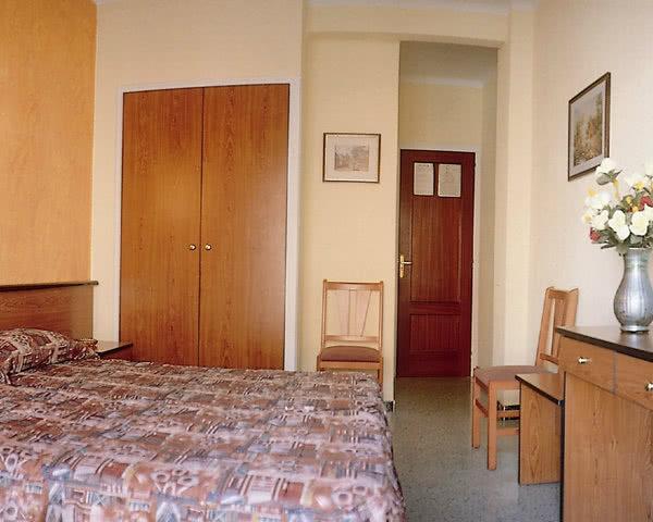 Abifahrt Calella 2-Sterne-Hotel: Zimmerbeispiel