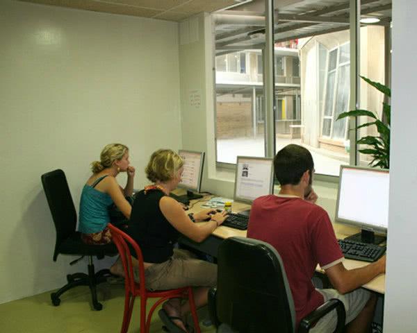 Schulreise Barcelona Hostel in Badalona- Internet
