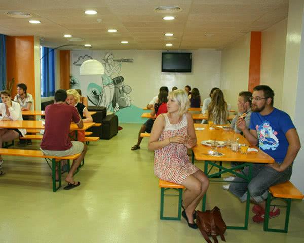 Klassenreise Barcelona Hostel in Badalona: Speiseraum