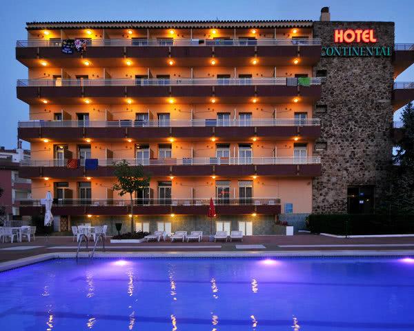 Gruppenreisen Hotel Continental: Außenansicht