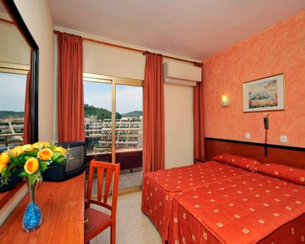 Jugendreisen Hotel Continental: Zimmerbeispiel