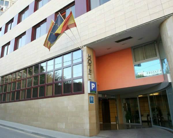 Abireise Barcelona 3-Sterne-Komforthotel- Hotelansicht