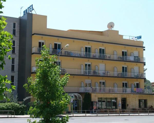 Klassenreise Katalonien Hotelbeispiel Montanamar: Außenansicht