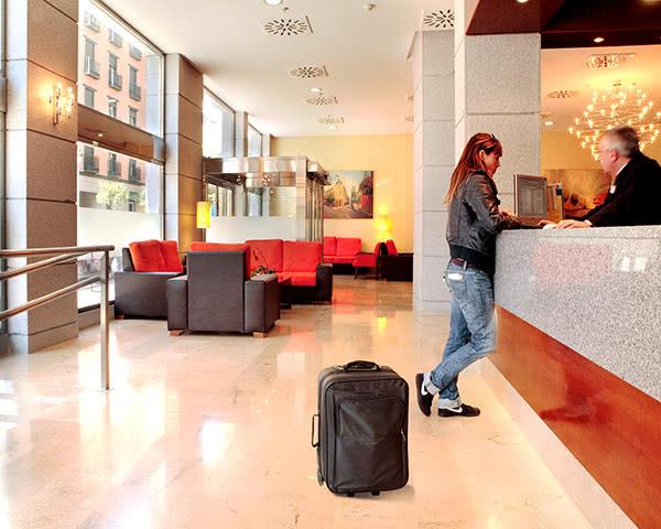 Studienfahrt Madrid 3-Sterne Hotel- Rezeption