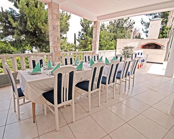 Studienreisen Hotel Sveti Kriz***: Terrasse
