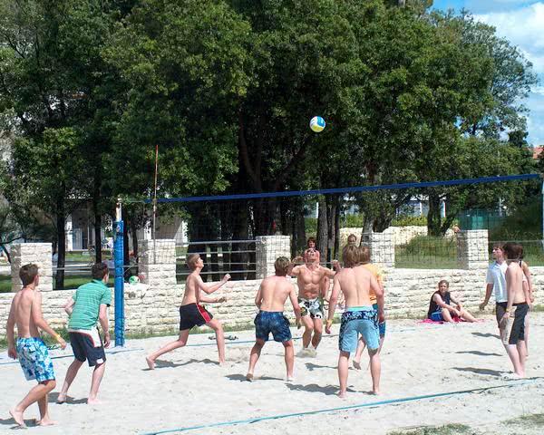 Klassenfahrt Jugendpark Zadar- Volleyballfeld