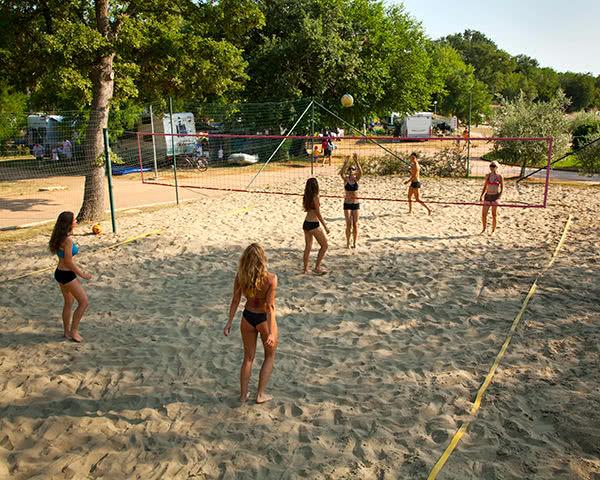 Schulfahrten Ferienanlage Mareda- Beachvolleyball