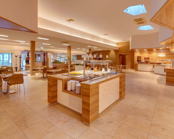 Studienfahrten Komfort-Ferienanlage Sol Stella***- Frühstücksraum