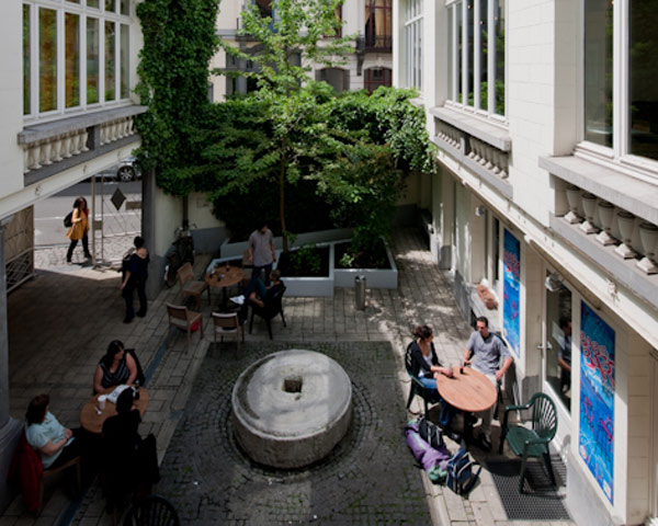 Abireisen Jugendherberge Jacques Brel: Innenhof