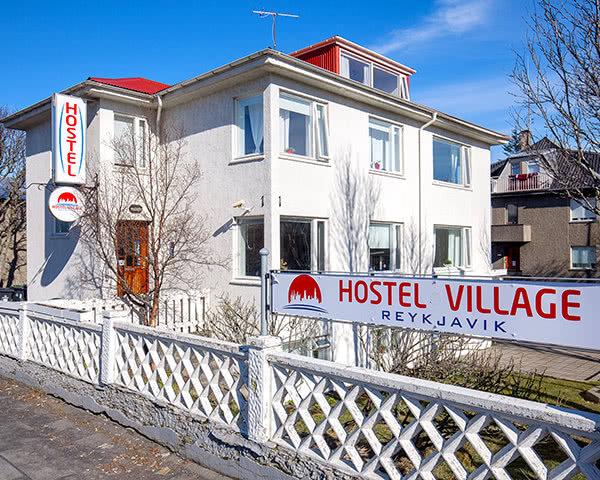 Gruppenfahrt Hostel Village Reykjavík- Außenansicht