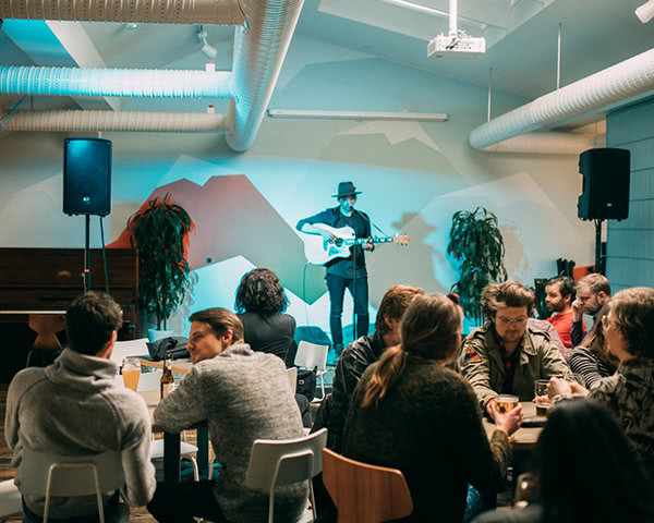 Schulreise Loft Hostel Reykjavík: Musikabend