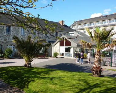 Kursfahrt Internationales Jugendzentrum Saint Malo- Parkanlage