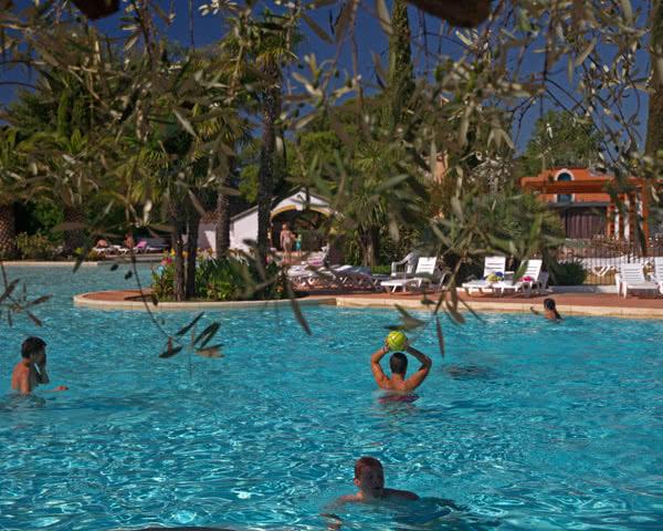 Schulfahrten Ferienpark Camargue- Pool