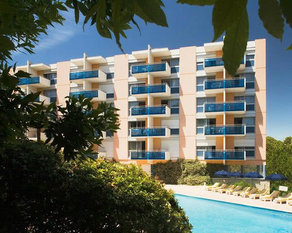 Klassenreise Ferienanlage Cannes- Außenansicht