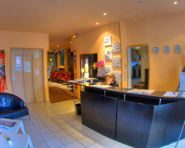 Schulreise Hotel Comté de Nice- Rezeption