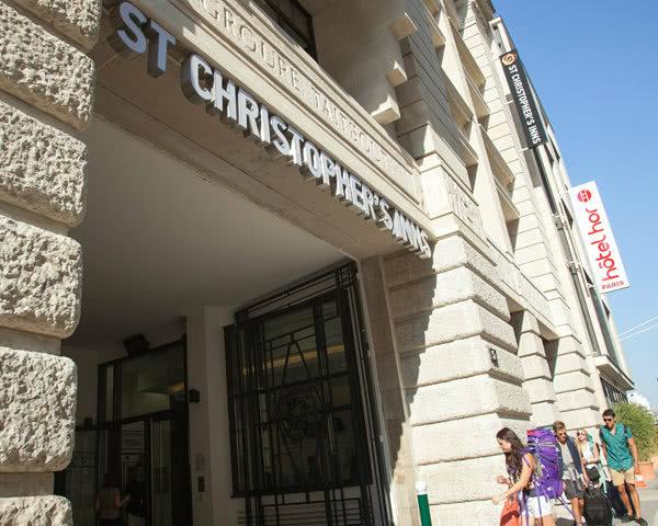 Abschlussreise St. Christopher's Inn Paris: Außenansicht