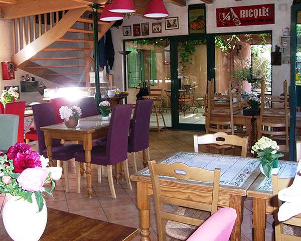 Kursfahrten 2- Sterne Vert Hotel Avignon- Speiseraum