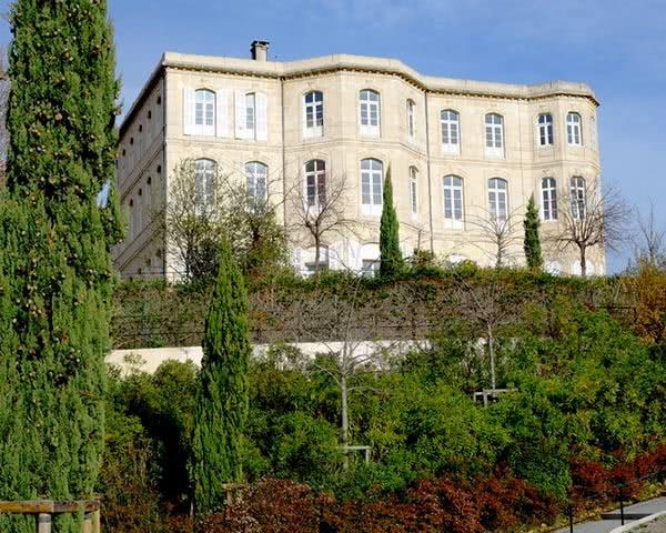 Abschlussfahrten Jugendherberge Château de Bois-Luzy- Außenansicht