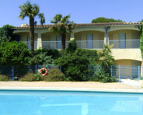 Gruppenreise Centre International de Séjour YMCA Avignon: Swimmingpool