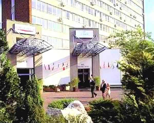 Klassenfahrt Budapest - Hotel Griff Eingangsbereich