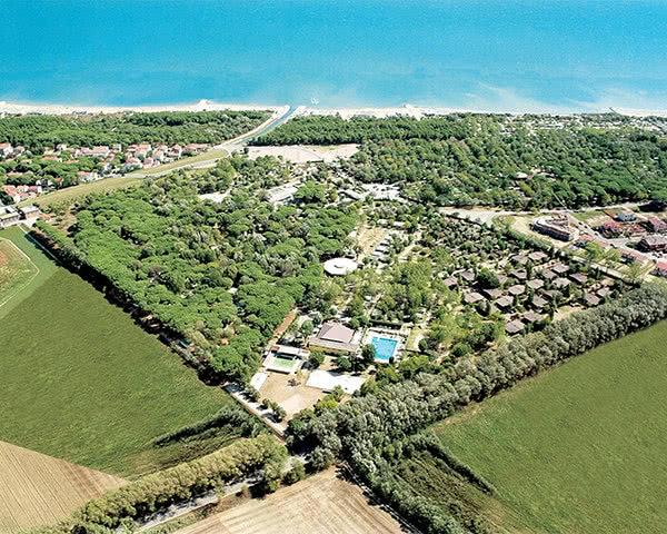 Abschlussreise Adriano Camping Village: Luftbild