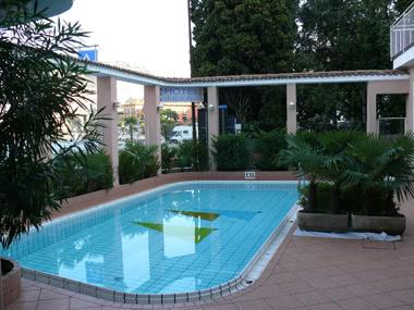Klassenfahrten Gardasee - Hotel Swimming Pool