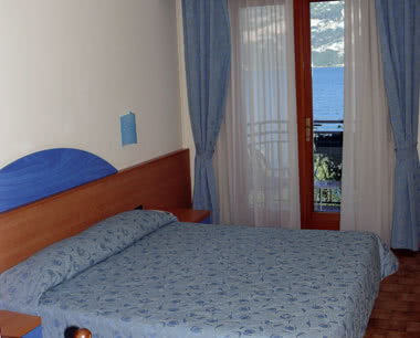 Abireise Gardasee- Beispiel 2 Sterne Hotel Zimmerbeispiel