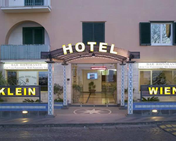 Klassenreise Neapel Hotel Klein Wien: Außenansicht
