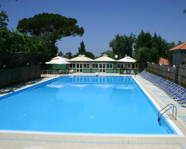 Ferienanlage bei Sorrent: Pool