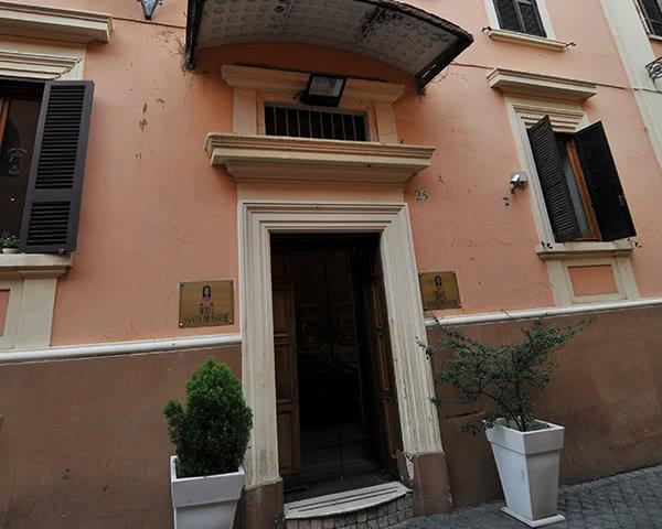 Schülerreise Beispielhotel Prassede in Rom: Außenansicht