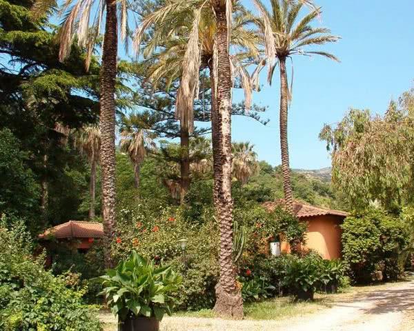 Schulreise Le Palme Garden Vallis: Außenansicht