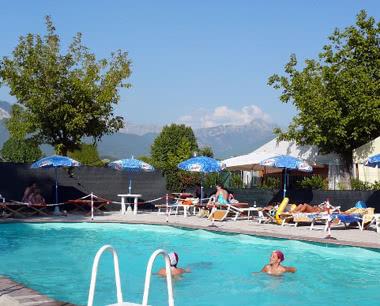 Klassenreise Ferienanlage Marina di Massa- Pool