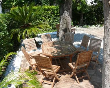 Schulfahrt Beispielhotel an der Versiliaküste - Terrasse