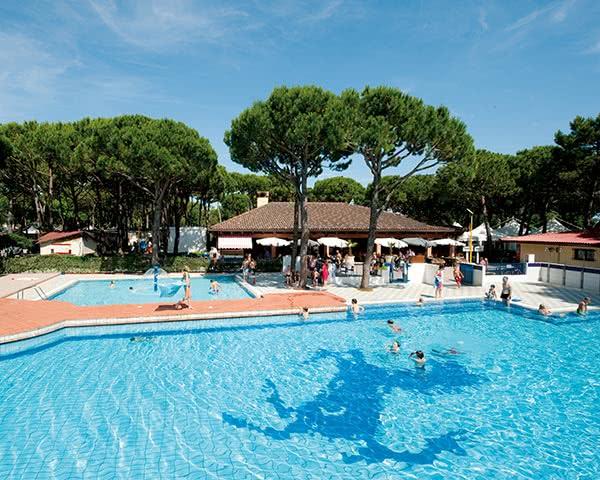 Klassenfahrt Feriendorf in Village Cavallino- Pool
