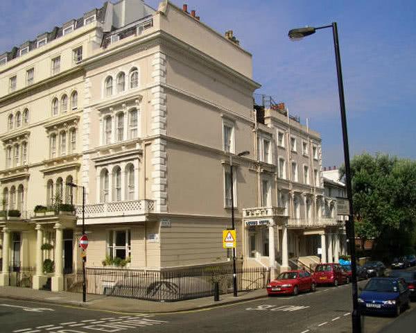Schulfahrt London Lords Hotel- Außenansicht