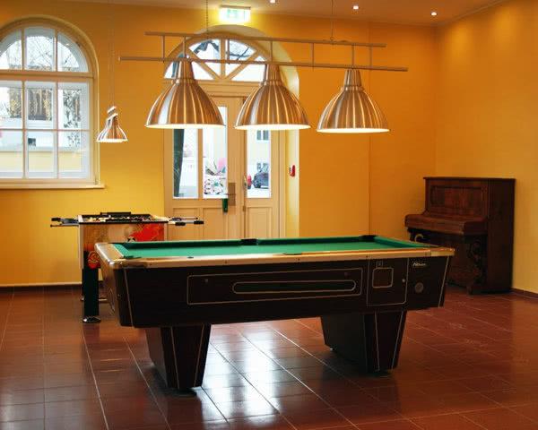 Klassenfahrt A & O Hostel Wien: Billardzimmer