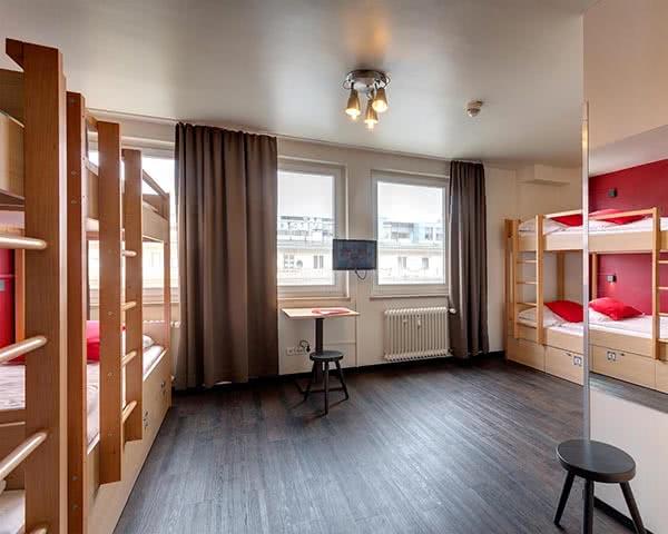 Jugendreisen Meininger City Center München: Zimmerbeispiel Sechsbettzimmer
