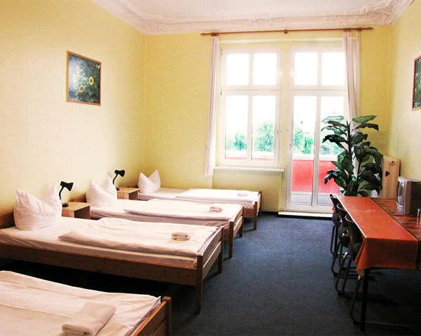 Abireise HappyGoLucky Hostel: Mehrbettzimmer