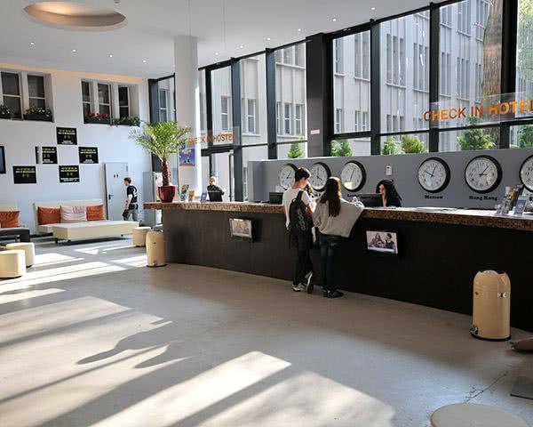 Kursfahrten PLUS Berlin Hostel und Hotel: Empfang