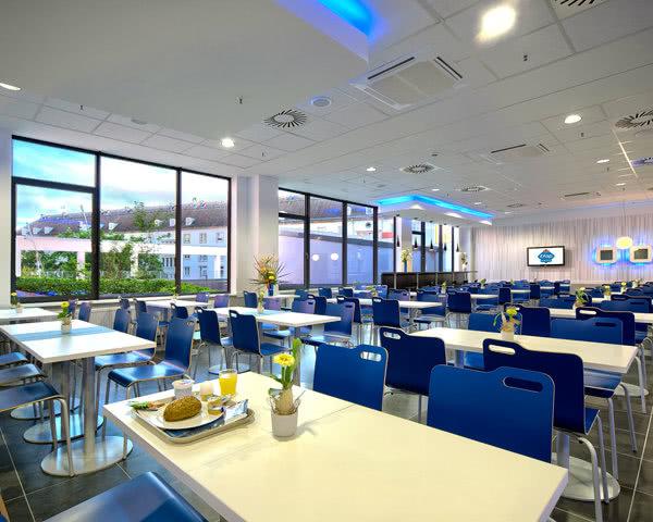 Frühstücksraum im ibis-Budget-Hotel