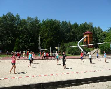 Studienreise Feriendorf Hoher Hain: Volleyballplatz