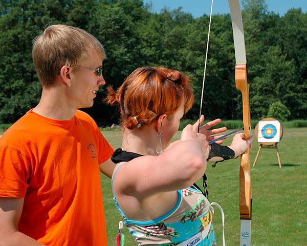 Schulreise Camping- und Ferienpark: Bogenschießen