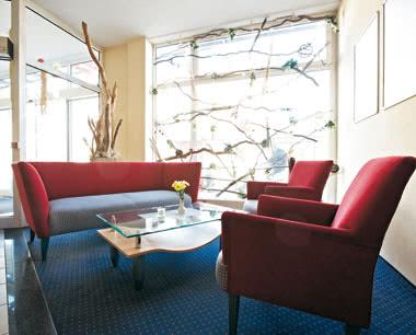 Schulreise InterCityHotel Stralsund- Aufenthaltsecke