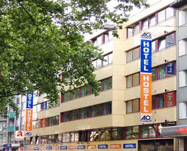 Klassenfahrt A & O City Hostel Düsseldorf- Außenansicht