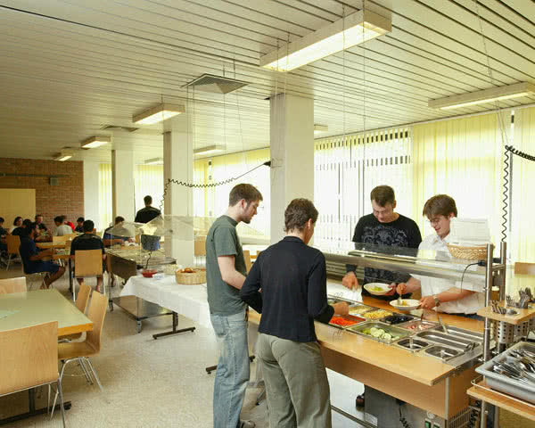 Klassenfahrt Jugendherberge Köln-Riehl- Speisesaal