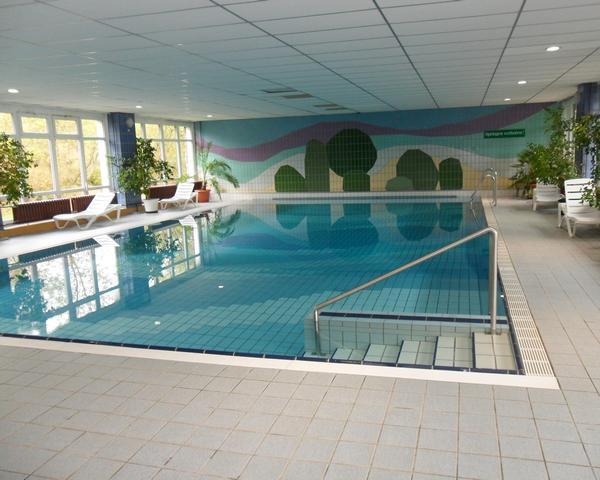 Klassenfahrt Lugsteinhof Zinnwald- Schwimmhalle